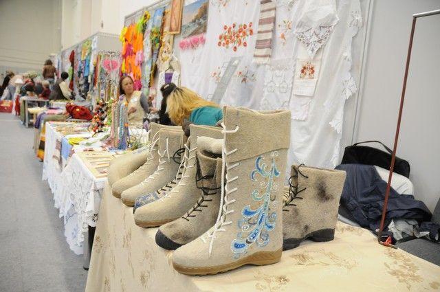 Хэнд-мэйд изделия, одежду, мебель, деревенские продукты - всё это можно будет купить на ярмарке.