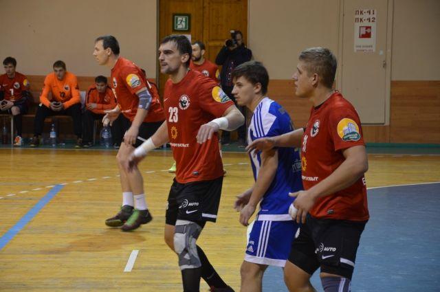 «Пермские» и«Чеховские Медведи» добились побед вмужскомЧР погандболу