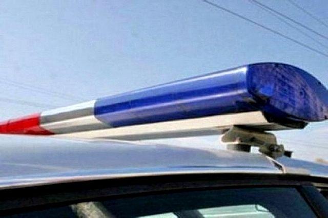 Шофёр Ауди протаранил два автомобиля полицейских