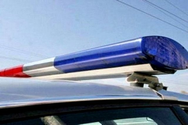 20-летний шофёр Ауди протаранил два автомобиля сполицейскими внутри