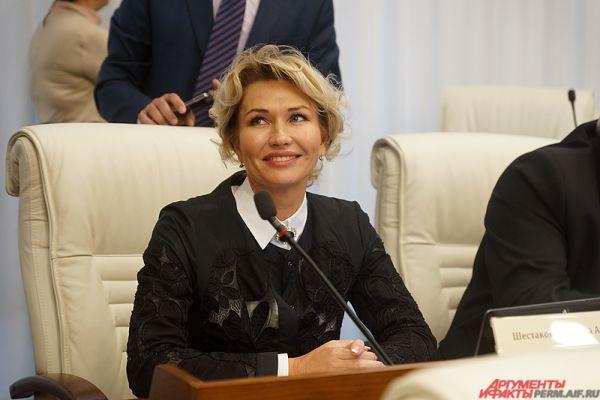 В этом году в ЗС прошли 7 депутатов-женщин, среди них – Татьяна Шестакова.