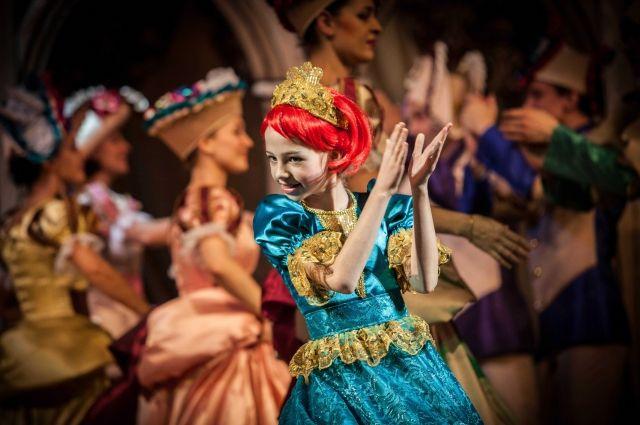 Посещать детские спектакли артисты студии смогут бесплатно.