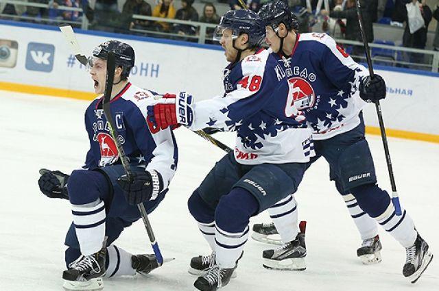Нижегородские хоккеисты в настойчивой борьбе вырвали победу у конкурента вматче КХЛ