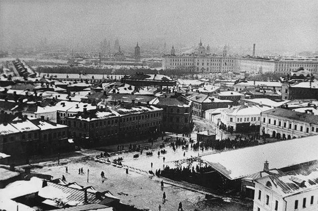 Вид Хитровской площади с каланчи Мясницкой полицейской части. Зима 1916 года.