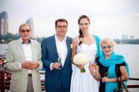 Екатерина Гамова наконец сможет уделить время семье. На фото - с мужем Михаилом Мукасеем и его родителеями Анатолием Мукасеем и Светланой Дружининой.