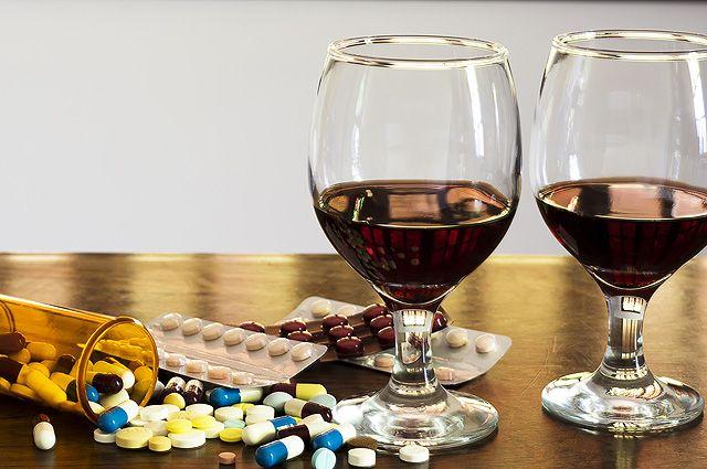 Роковая рюмка. Почему нельзя сочетать алкоголь и лекарства ...