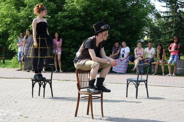 На фестиваль приедут коллективы из Москвы, Новосибирска, Екатеринбурга и Тольятти.