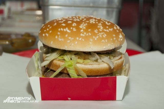 Научиться делать такой гамбургер может каждый.