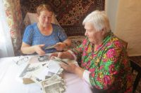 Старики с радостью разговаривают о своей молодости.