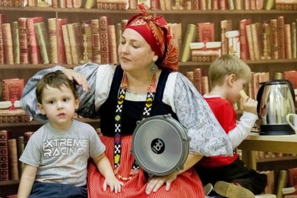 Приобщение детей к русской народной культуре нужно начинать с детства.