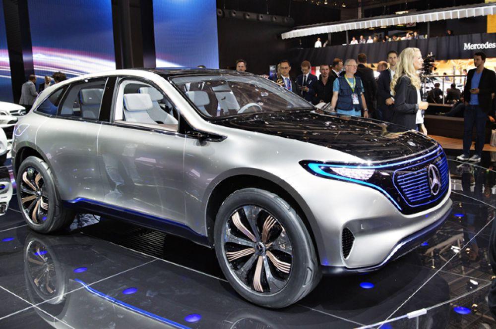 Mercedes-Benz размышляет над обликом автомобилей будущего. Концепт Generation EQ стал гибридным и автономным. Запас хода обещают в 500 км. и мощность в 400 л.с. Разгон до «сотни» за 5 сек.