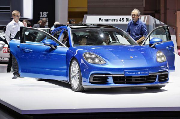 Новое поколение лифтбека Porsche Panamera стало гибридным. Под капотом 4 E-Hybrid силовая установка в 330 л.с. и 8-ступенчатый робот PDK.