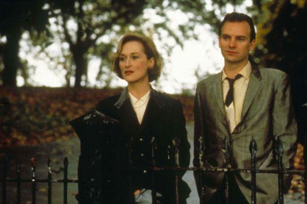 «Беспокойное сердце» (1985) —драма с Мэрил Стрип в главной роли о том, как женщина, пережившая войну, пытается найти свое место в мирной жизни.