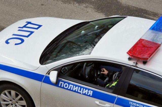 ВСальском районе легковушка врезалась вдерево, два человека погибли