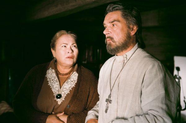 За роль матушки Алевтины в фильме «Поп» (2009) Усатова получила премию «Золотой орел» в номинации «Лучшая женская роль второго плана».