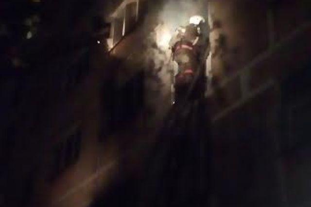 Напожаре вГубахе огнеборцы спасли 2-х маленьких девушек