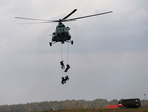 Высадка бойцов ФСБ для захвата террористов