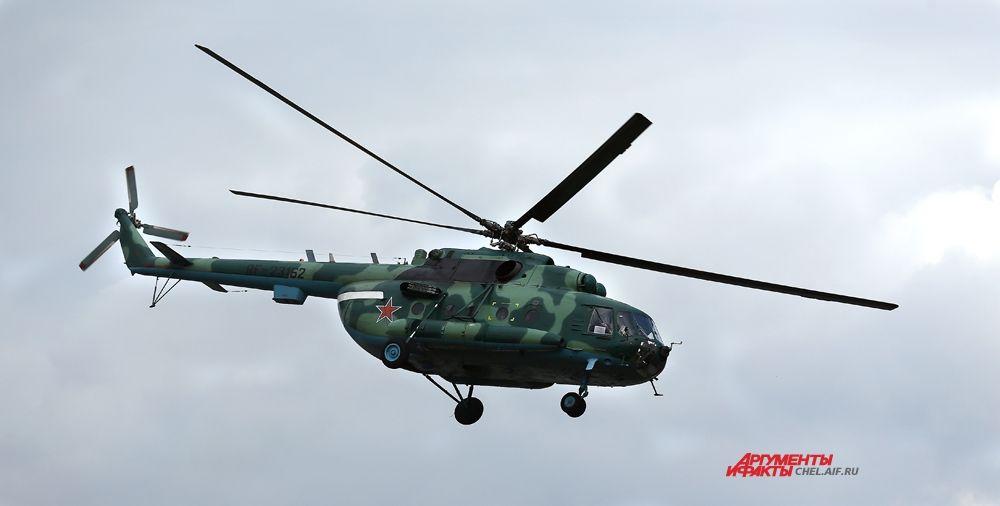 Вертолёт с бойцами ФСБ на подлёте к цели