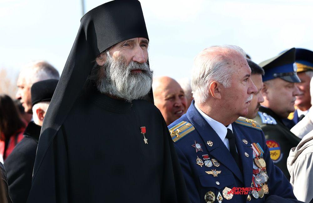 Бурков В.А.,предпоследний Герой СССР, ветеран Афгана,полковник,выпускник ЧВВАКУШа 1978г