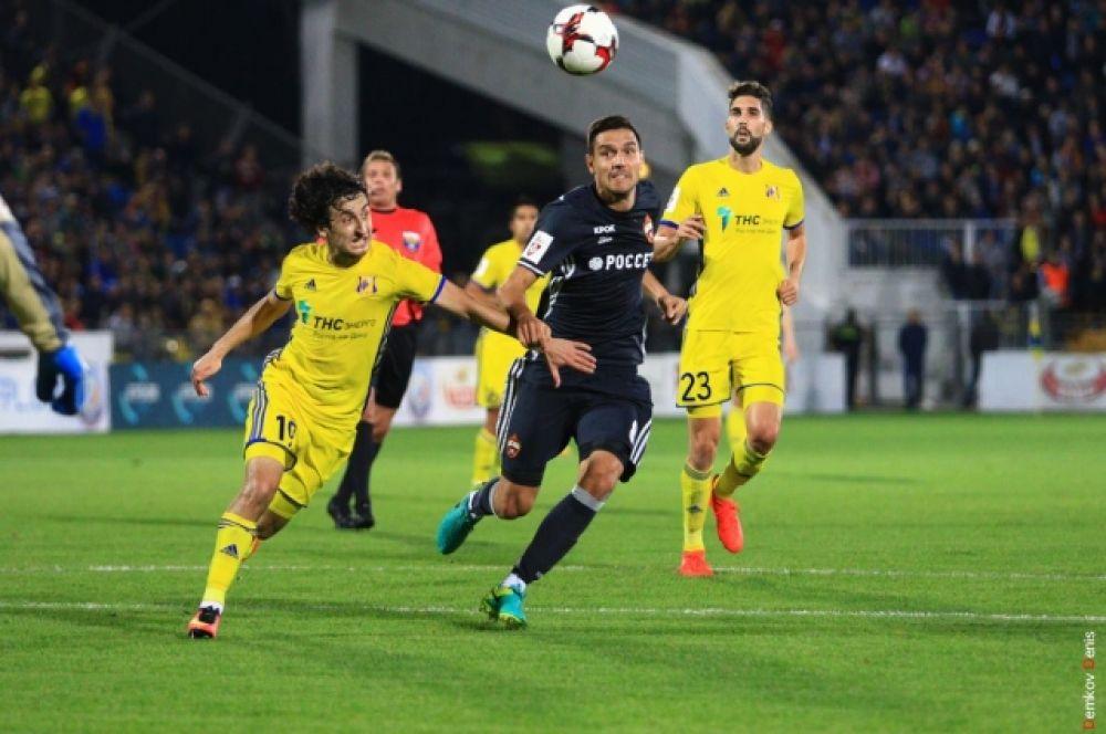 В какой именно форме «Ростов» и ЦСКА подойдут к очному противостоянию сказать было сложно, ведь оба клуба накануне проводили встречи в еврокубках.