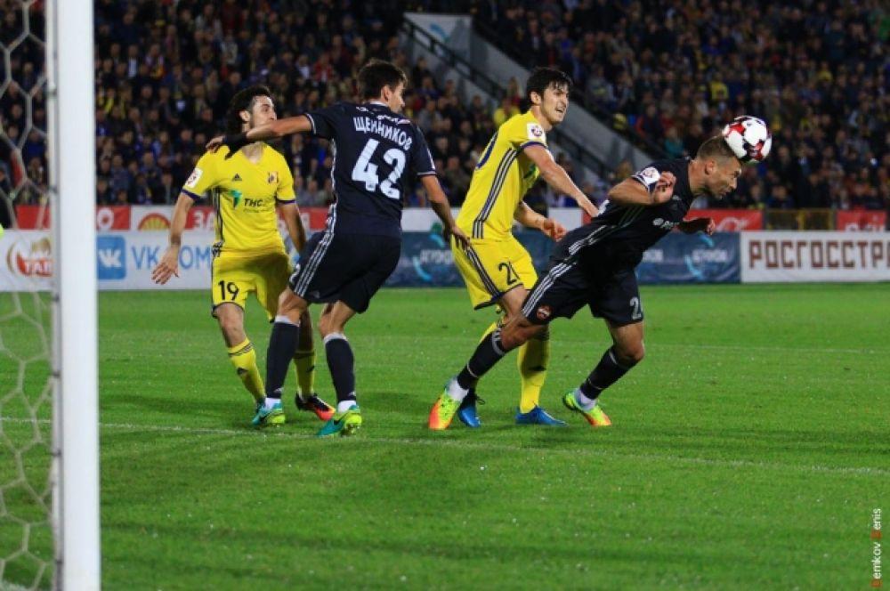 До первого гола игра была равной и могла повернуться в любую сторону.