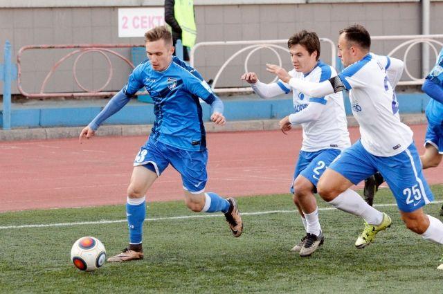 Вничью сыграли новосибирские футболисты с«Балтикой»