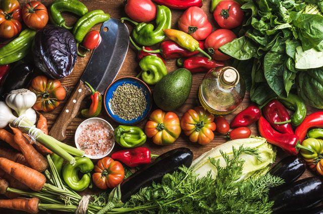 """Фреш """"Свекла-томат-сельдерей-базилик-авокадо"""" – кулинарный рецепт"""