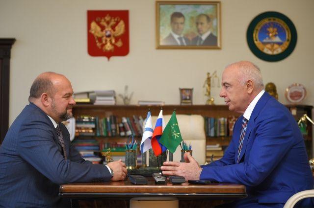 Орлов пообещал Тхакушинову пролоббировать решение оназвании вчесть Адыгеи корабля Севморфлота