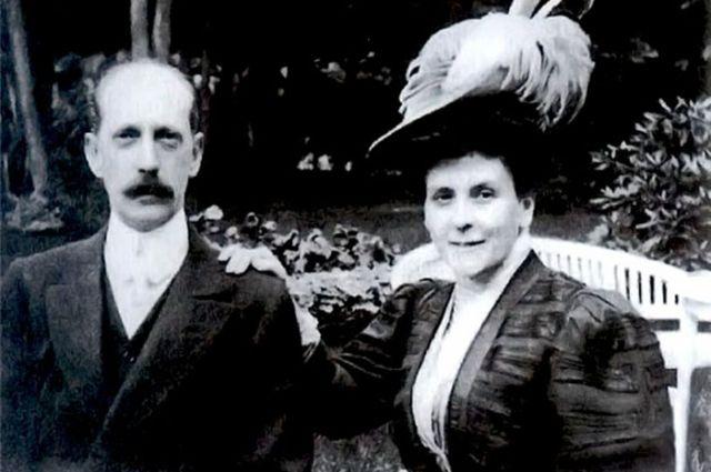 Сердцем великого князя смогла полностью завладеть Ольга Валериановна фон Пистолькорс, жена российского генерала.