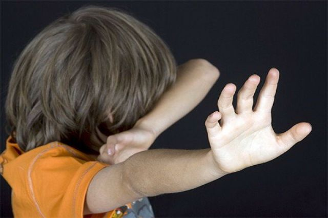 НаКамчатке 15-летний школьник насиловал сверстника иснимал это навидео