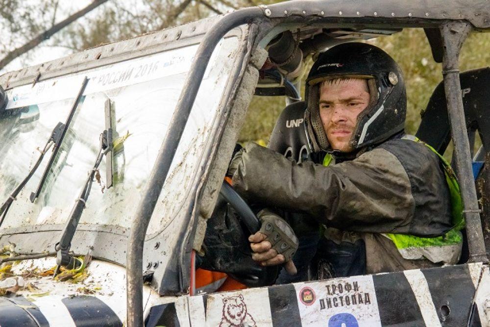 Не тонули только люди — сумасшедшие пилоты и штурманы.