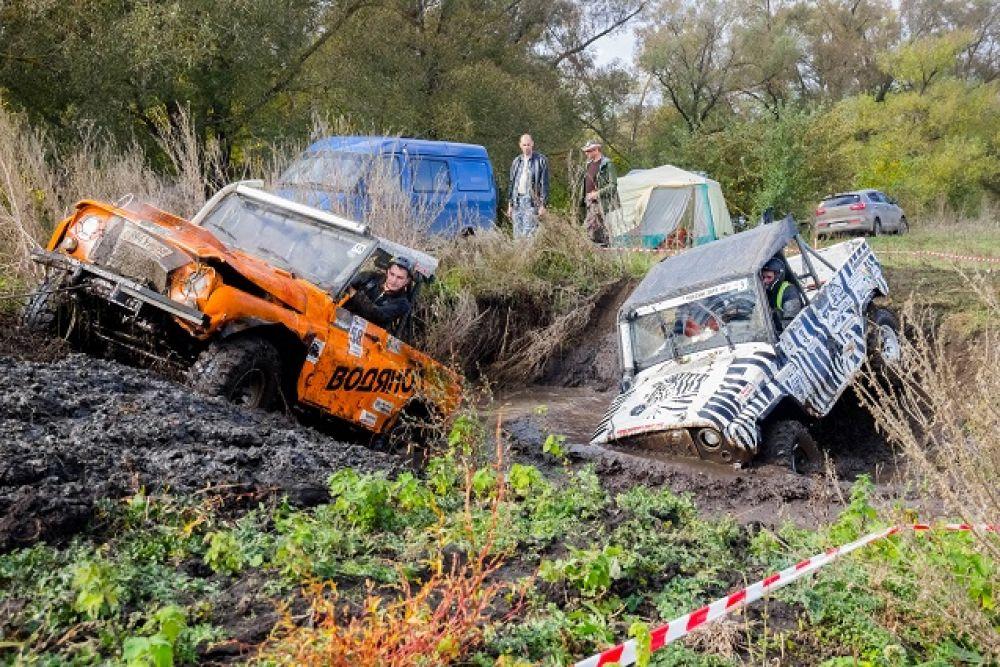 Такие машины грязи точно не боятся.