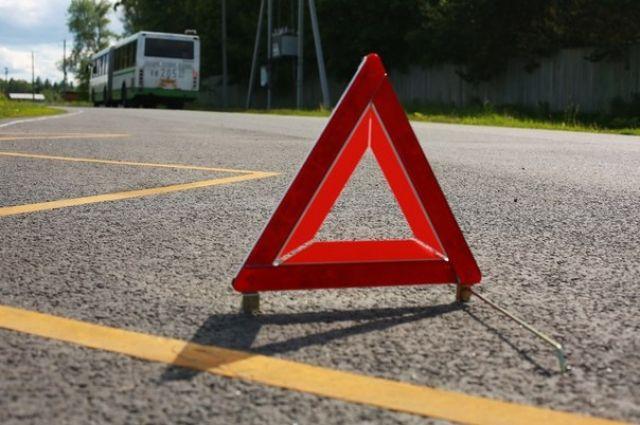 ВТернополе КамАЗ врезался вмаршрутный автобус: Пострадали пятеро пассажиров