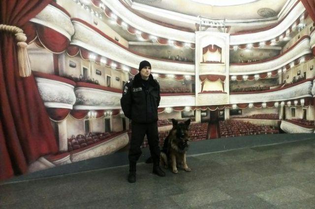 ВКиеве настанции метро «Театральная» скончался человек