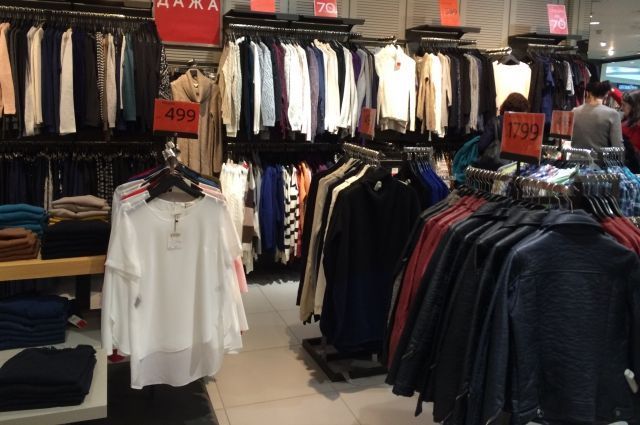 «Модница» пробовала вынести измагазина 42 предмета одежды на87 тыс.