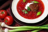 Борщ, возможно, самое любимое первое блюдо у мужчин в России.