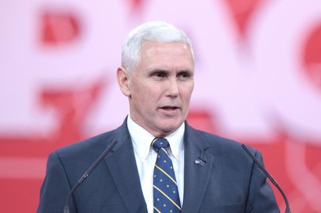Кандидат ввице-президенты США придумал присказку о«русском медведе»