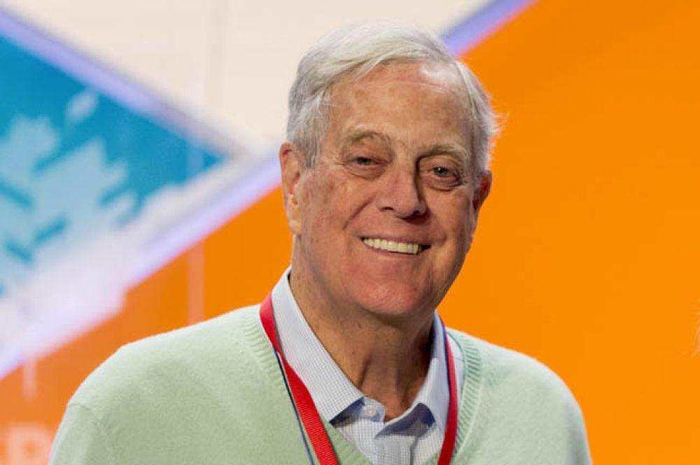 Следом за старшим братом Чарльзом Кохом в рейтинге Forbes находится Дэвид Кох. Его состояние так же оценивается в 42 млрд долларов.