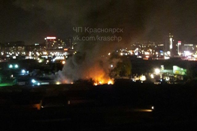 ВКрасноярске наЕнисейском рынке произошел пожар