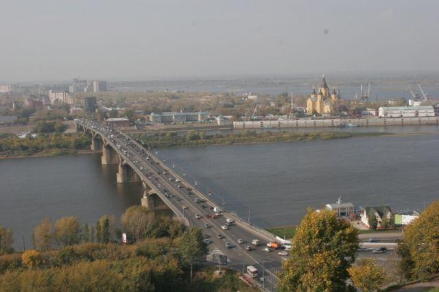 Мужчину, пытавшегося сигануть сКанавинского моста, спасли вНижнем Новгороде