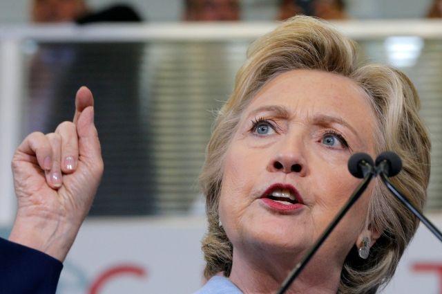 Клинтон переживала заКим Кардашьян после ограбления