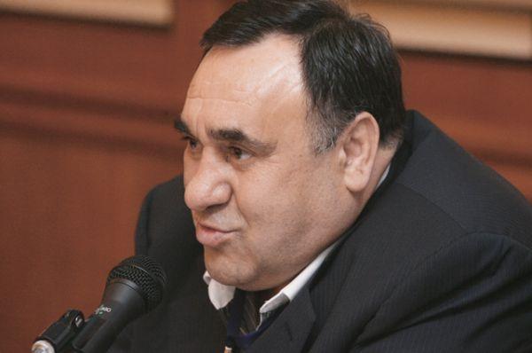Замыкает семерку миллиардеров Василий Тарасюк — 1,08 млрд руб на банковском счете. Доходы чиновника за прошлый год составили 81 млн руб.