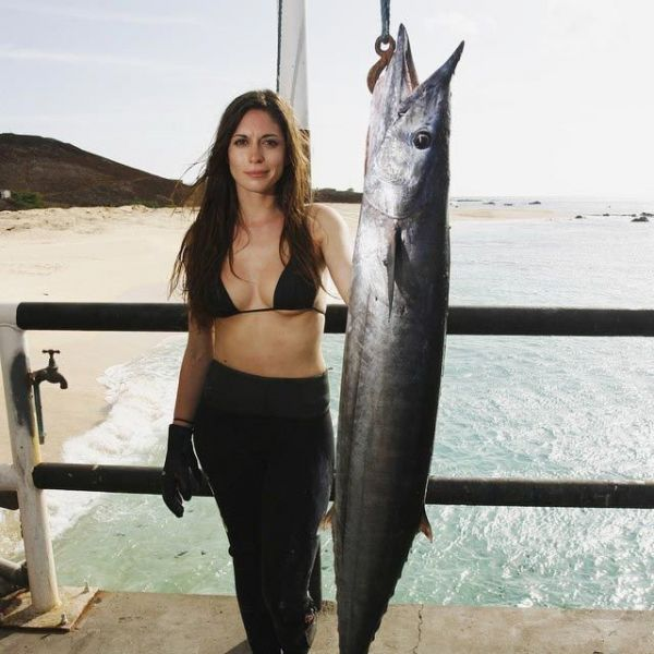 В 2013 году девушка установила мировой рекорд, поймав самую большую рыбеху под названием большой каранкс