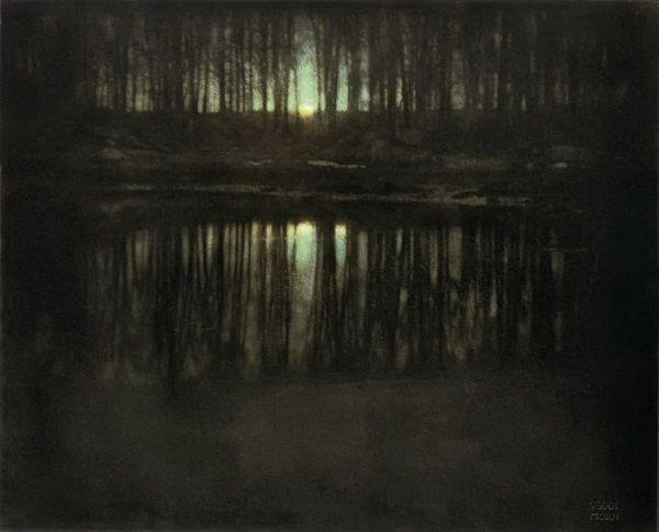 Первая в мире цветная ночная фотография, которая была сделана Эдвардом Штайхеном в 1904 году, сейчас продается за 3 млн. долларов