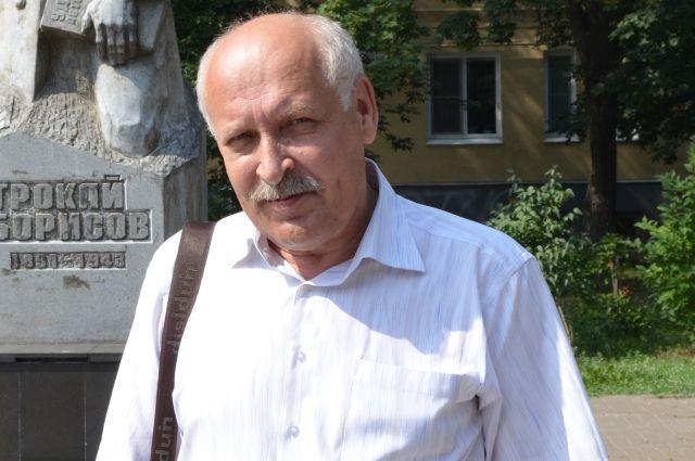 Виктора Овчинникова тревожит судьба художников.