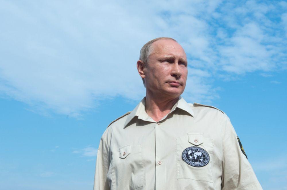 Географ. С 2009 года Владимир Путин является председателем Попечительского совета «Русского географического общества».