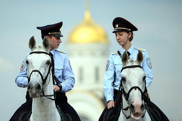 Сотрудники 1-го Отдельного оперативного полка полиции.