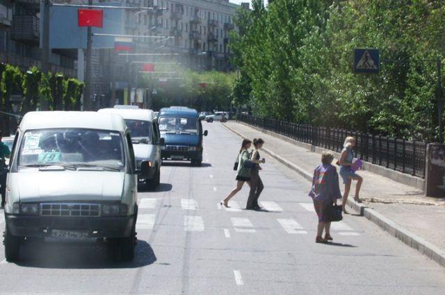 Общественникам презентовали копию чугунного ограждения напроспекте Ленина