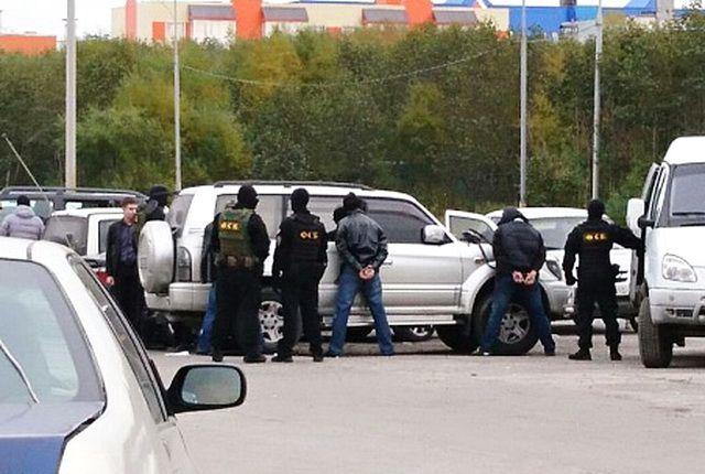 ФСБ и милиция  задержали наКамчатке уголовного  авторитета иего подельников