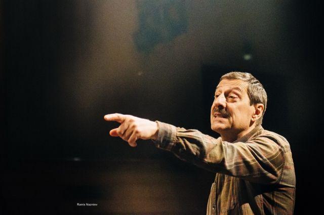 Татар и грузин роднит домовитость, считает режиссер.